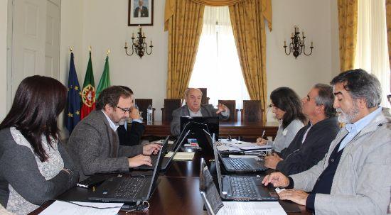Câmara aprova apoios para obras no Luso