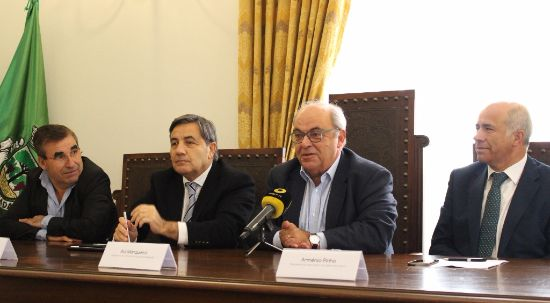 Câmara da Mealhada assina contrato de desenvolvimento desportivo com Federação Portuguesa de Futebol