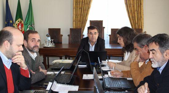 Autarquia aprova parques infantis na freguesia de Casal Comba