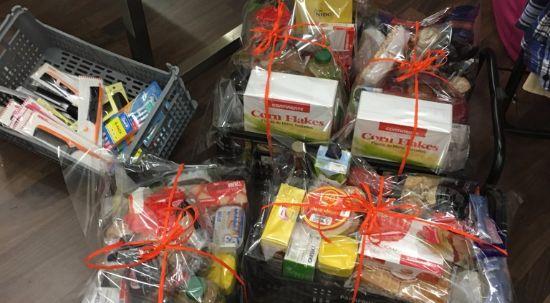 Loja Social Roda Viva distribui… mas recebe também centenas de cabazes de solidariedade