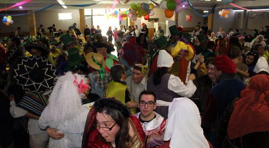 Mais de 350 utentes das IPSS da Mealhada reviveram o Entrudo numa tarde de alegria