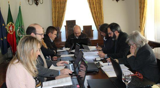 Executivo aprova 12 mil euros de apoios