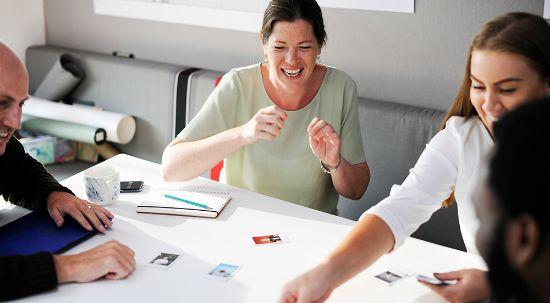 Workshop explica como ser feliz no local de trabalho