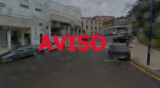 Aviso de derrocada no centro do Luso