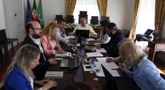 Executivo aprova apoios a coletividades