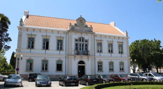 Alteração da data da reunião da Câmara Municipal
