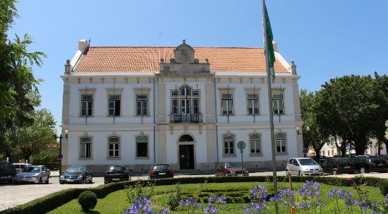 Câmara atribui cerca de 60 mil euros a coletividades