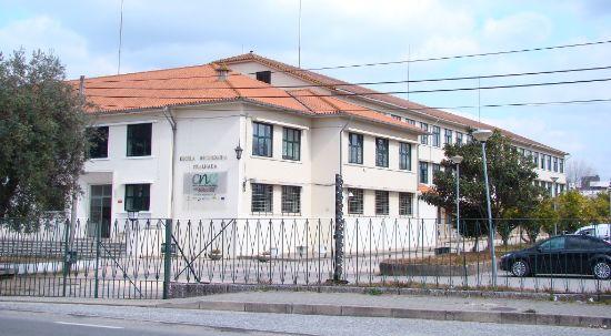 Autarquia aprova multa a empreiteiro da Escola Secundária da Mealhada