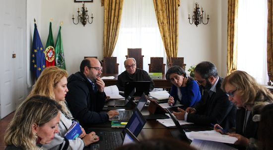 Executivo aprova 65 mil euros de apoios