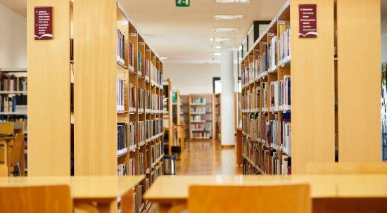 Biblioteca Municipal reabre ao público, mas continua serviço ao domicílio