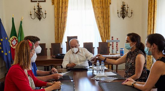 Câmara investe 77 mil euros em obras no jardim do lago do Luso