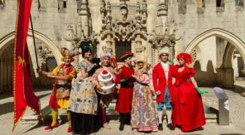 """Cineteatro Messias recebe pai natal em dia de musical """"O Príncipe Nabo"""""""
