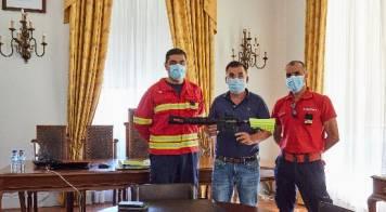 Câmara adquire arma para eliminar Vespa Velutina